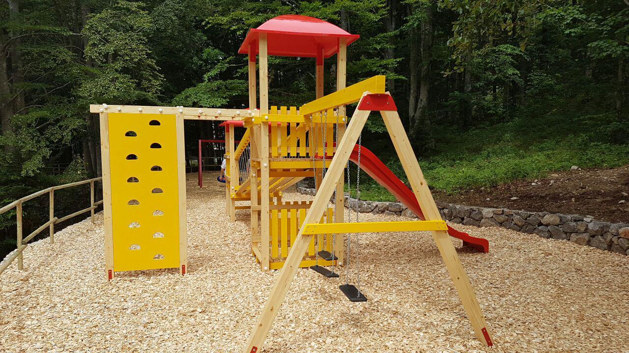 Izgradnja i opremanje dječjih igrališta