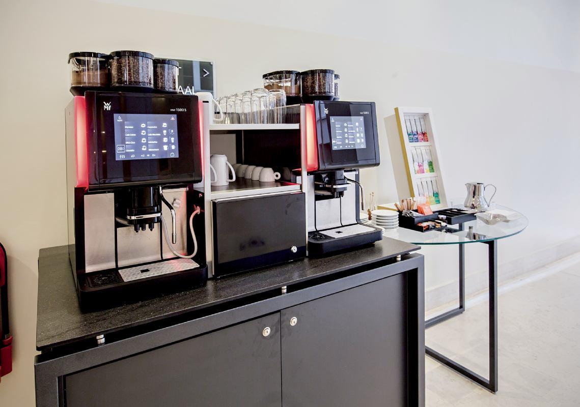 Stol za aparat za kavu